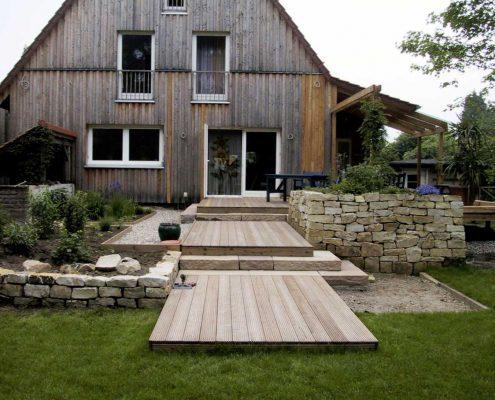 Holzterrasseen aus Lärche